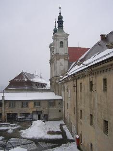 Kostol akláštor