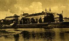 Ilavský hrad aVáh