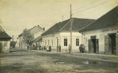 Pohľad načasť námestia, 1920